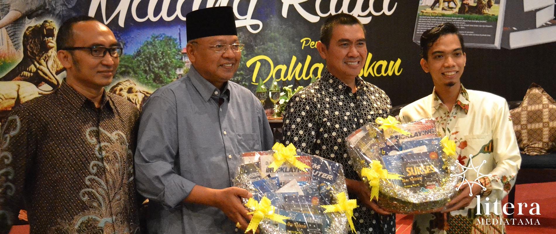 David Ming bersama Kurniawan Muhammad (direktur Radar Malang), rendra Kresna Bupati kab Malang, Abah Anton (walikota Malang)