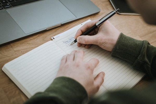 Mewujudkan Gagasan atau Ide dalam Bentuk Tulisan?