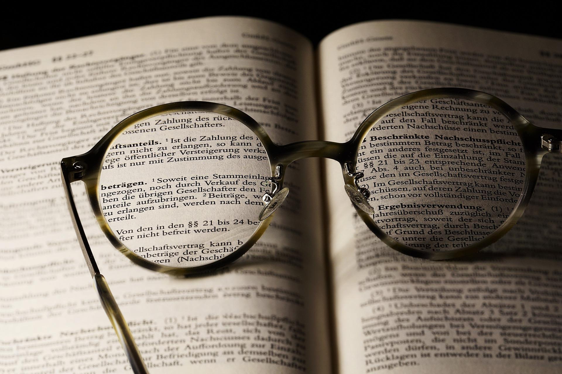 Tanda Baca itu Penting ! Yuk, Kenali Penggunaan Tanda Baca Titik dan Koma