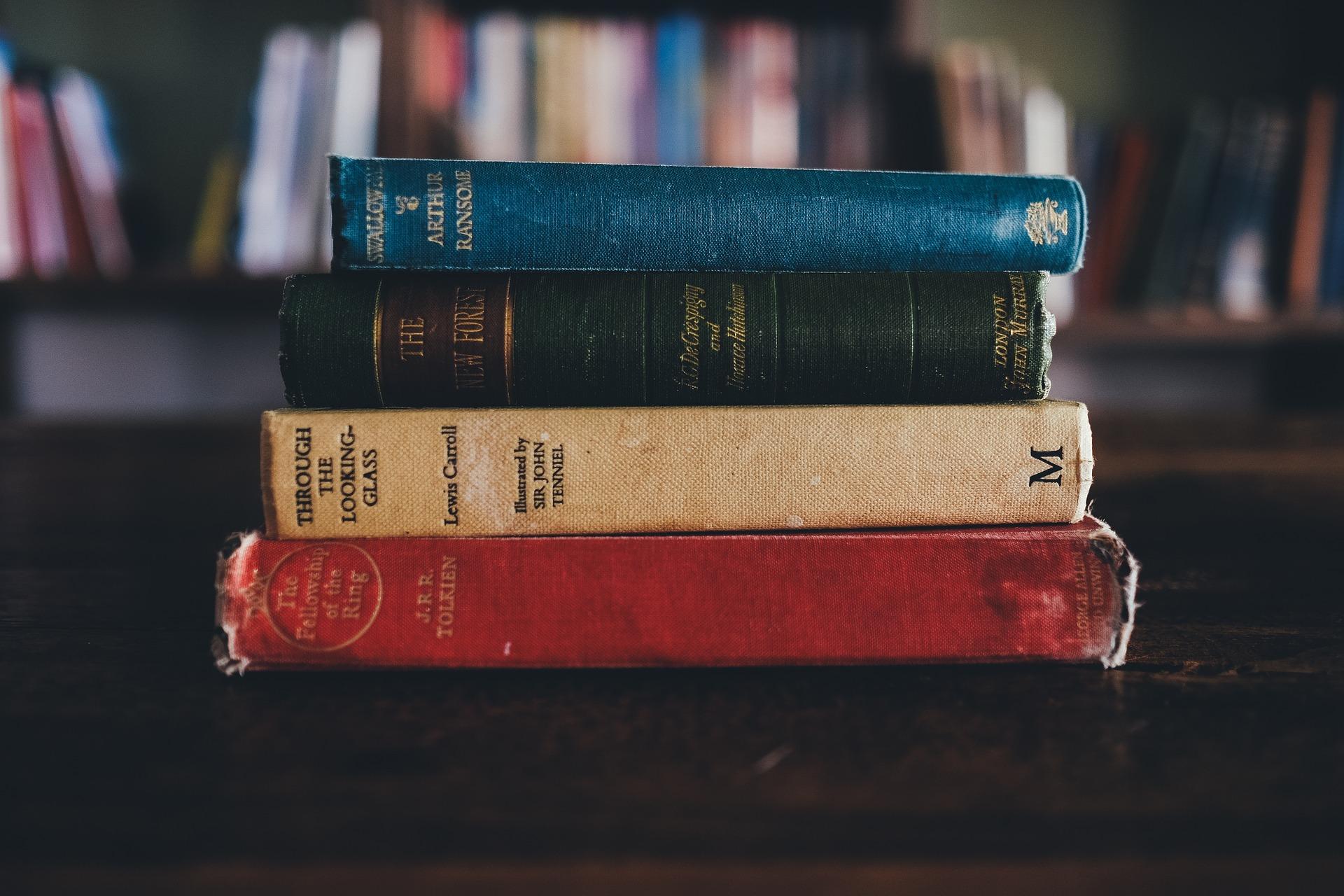 Pembajakan Buku sebagai Ancaman Literasi